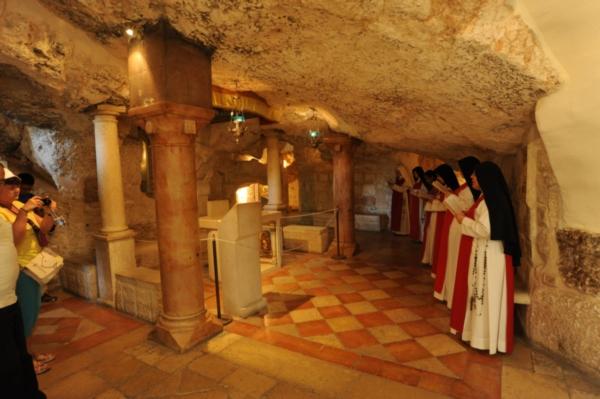 Holy Sites – Aeolus Tours
